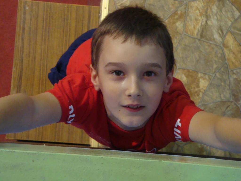 Ako hra stoln tenis?